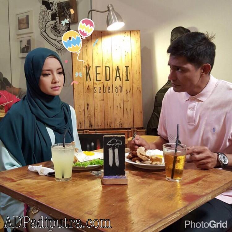 Abang Ngah dan Zara makan di restoran