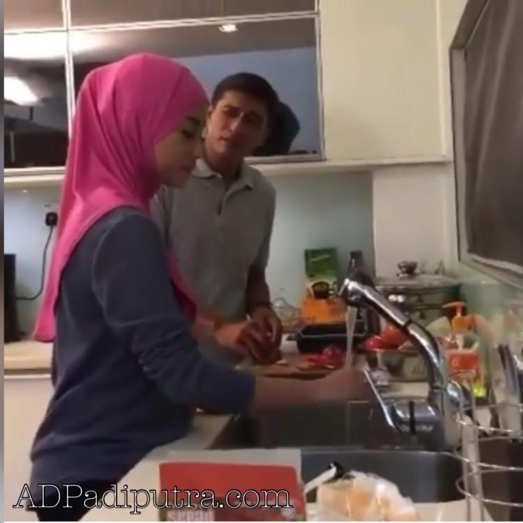 Abang Ngah Fariz dan Zara di dapur